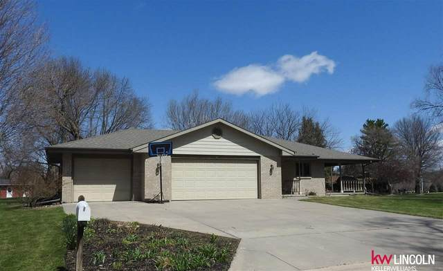 818 8th Street, Friend, NE 68359 (MLS #22008984) :: kwELITE