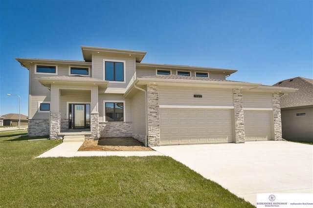 9960 S 105 Avenue, Papillion, NE 68046 (MLS #22009003) :: Dodge County Realty Group