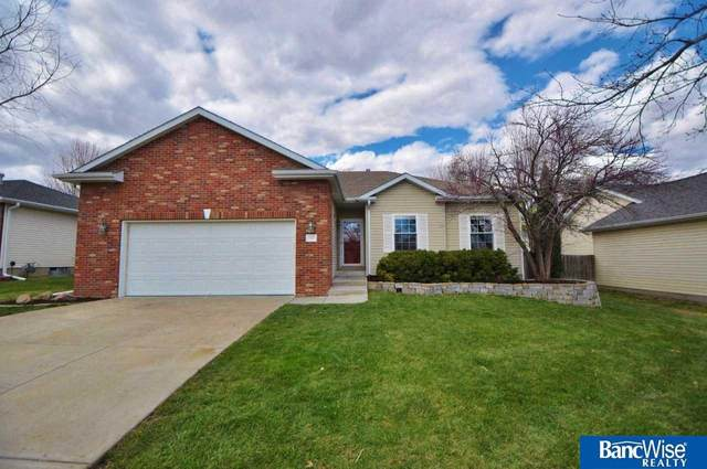 7912 Yellow Knife Drive, Lincoln, NE 68505 (MLS #22009315) :: Dodge County Realty Group