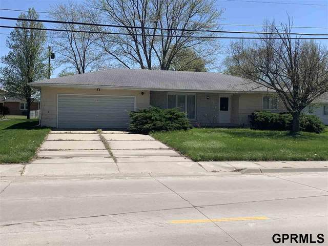 904 N 19 Street, Beatrice, NE 68310 (MLS #22009788) :: Lincoln Select Real Estate Group