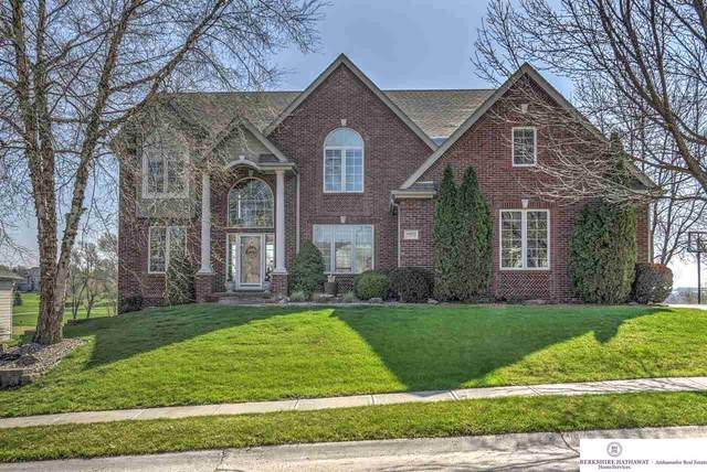 10825 Fairway Drive, Omaha, NE 68136 (MLS #22009797) :: One80 Group/Berkshire Hathaway HomeServices Ambassador Real Estate