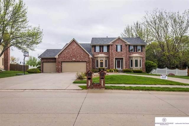 15602 Burt Street, Omaha, NE 68118 (MLS #22009918) :: Catalyst Real Estate Group