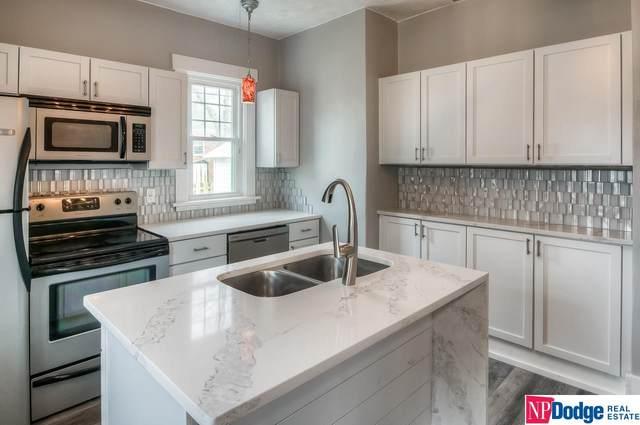 2582 Vane Street, Omaha, NE 68112 (MLS #22010020) :: One80 Group/Berkshire Hathaway HomeServices Ambassador Real Estate