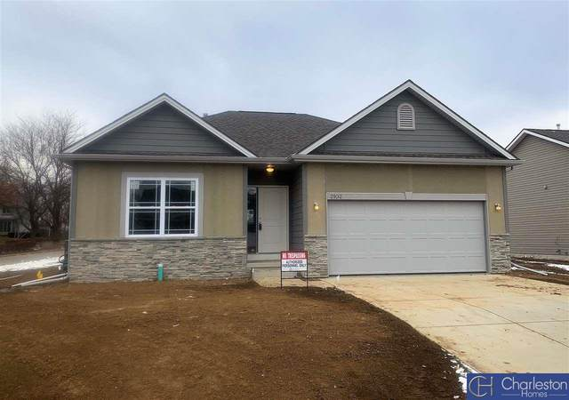 13055 S 49th Street, Papillion, NE 68133 (MLS #22010070) :: One80 Group/Berkshire Hathaway HomeServices Ambassador Real Estate