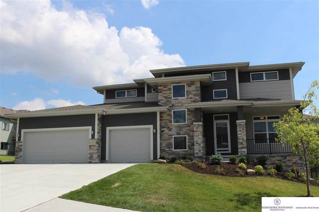 19405 Ruggles Circle, Elkhorn, NE 68022 (MLS #22010288) :: The Homefront Team at Nebraska Realty