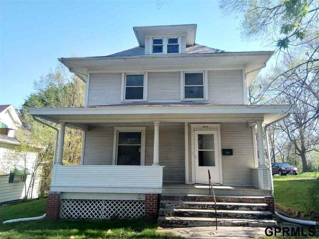 2811 Hamilton Street, Omaha, NE 68131 (MLS #22010291) :: Omaha Real Estate Group