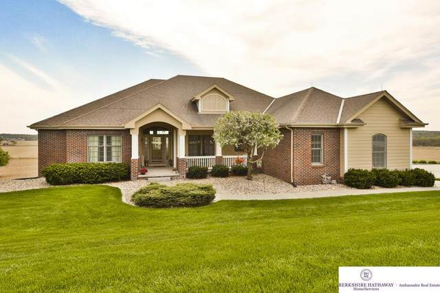 16901 S 57th Avenue, Papillion, NE 68133 (MLS #22010339) :: Dodge County Realty Group