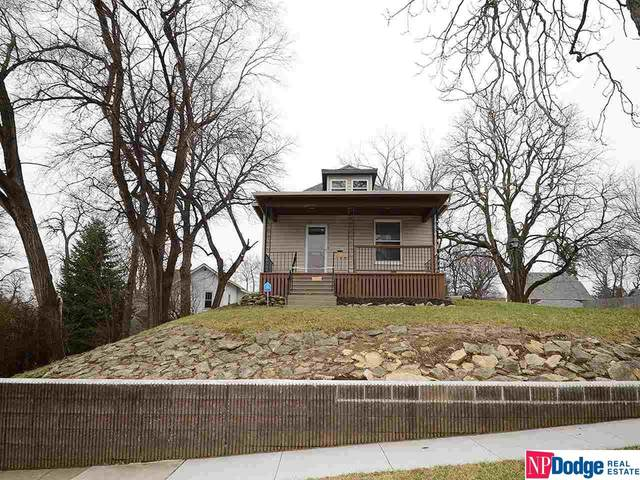 4431 Pierce Street, Omaha, NE 68105 (MLS #22010492) :: One80 Group/Berkshire Hathaway HomeServices Ambassador Real Estate