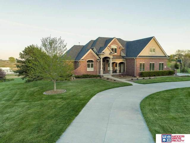 9635 Merion Circle, Lincoln, NE 68526 (MLS #22010700) :: Cindy Andrew Group