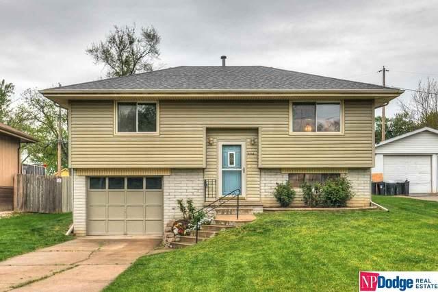 5902 Weir Street, Omaha, NE 68117 (MLS #22010883) :: One80 Group/Berkshire Hathaway HomeServices Ambassador Real Estate