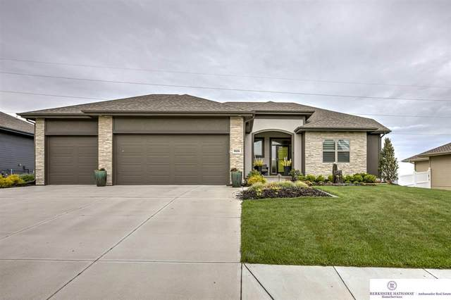 9606 S 179 Street, Omaha, NE 68136 (MLS #22010888) :: One80 Group/Berkshire Hathaway HomeServices Ambassador Real Estate