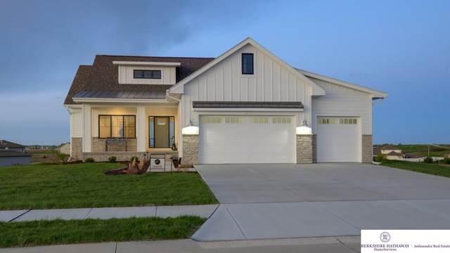 4303 S 220th Street, Elkhorn, NE 68022 (MLS #22010898) :: Dodge County Realty Group