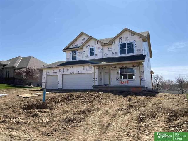15219 Norwick Drive, Omaha, NE 68116 (MLS #22010909) :: One80 Group/Berkshire Hathaway HomeServices Ambassador Real Estate
