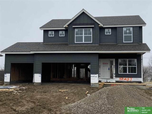 15237 Norwick Drive, Omaha, NE 68116 (MLS #22010912) :: One80 Group/Berkshire Hathaway HomeServices Ambassador Real Estate