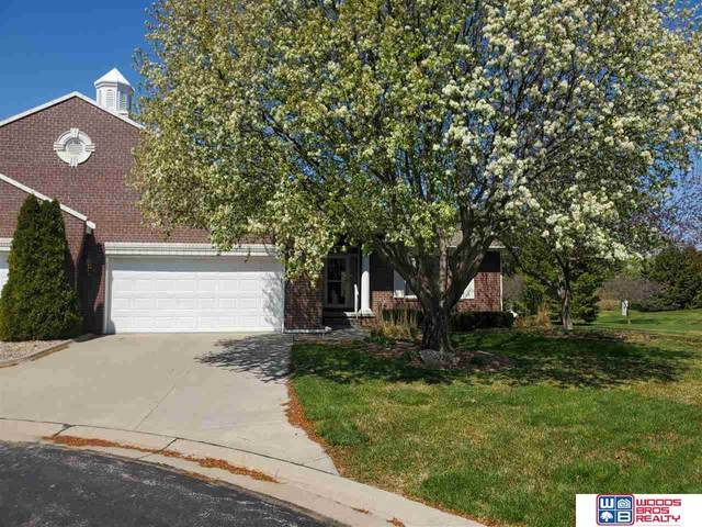 6320 S 35 Court, Lincoln, NE 68516 (MLS #22010913) :: One80 Group/Berkshire Hathaway HomeServices Ambassador Real Estate