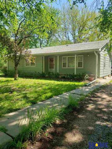 2810 S Folsom Street, Lincoln, NE 68522 (MLS #22010962) :: Cindy Andrew Group