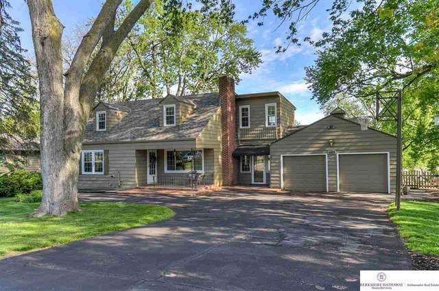 7712 Pine Circle, Omaha, NE 68124 (MLS #22011213) :: Stuart & Associates Real Estate Group