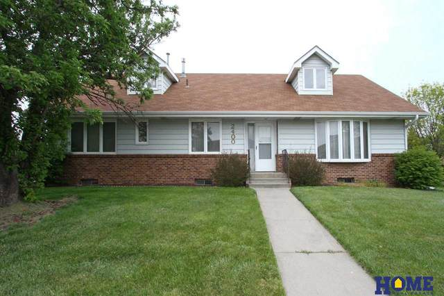 2400 Folkways Boulevard, Lincoln, NE 68521 (MLS #22011252) :: Lincoln Select Real Estate Group