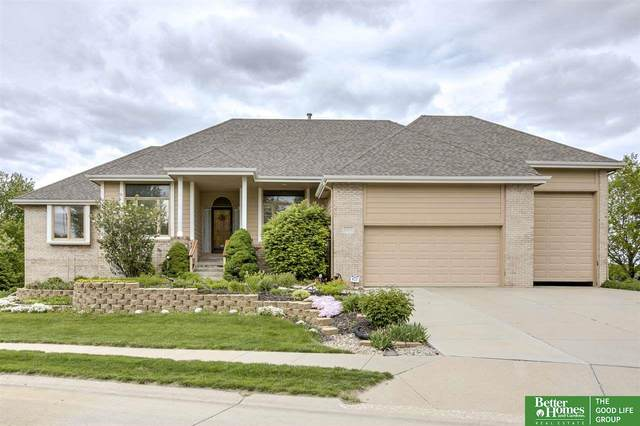 15052 Boyd Street, Omaha, NE 68116 (MLS #22011264) :: kwELITE
