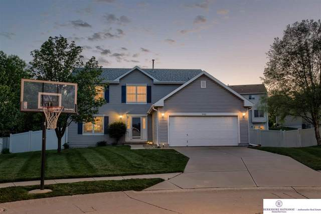 5322 S 158 Circle, Omaha, NE 68135 (MLS #22011373) :: Dodge County Realty Group