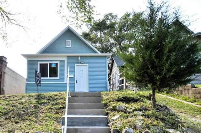 2742 S 9 Street, Omaha, NE 68108 (MLS #22011515) :: One80 Group/Berkshire Hathaway HomeServices Ambassador Real Estate