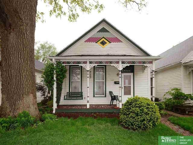2328 S 10 Street, Omaha, NE 68108 (MLS #22011562) :: One80 Group/Berkshire Hathaway HomeServices Ambassador Real Estate