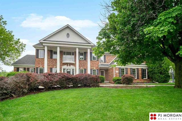 608 N 157th Circle, Omaha, NE 68118 (MLS #22011675) :: Catalyst Real Estate Group
