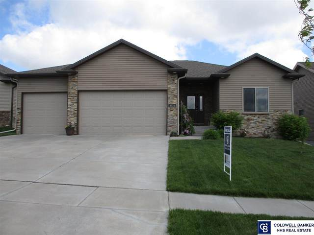 9510 White Pine Road, Lincoln, NE 68505 (MLS #22011750) :: Dodge County Realty Group
