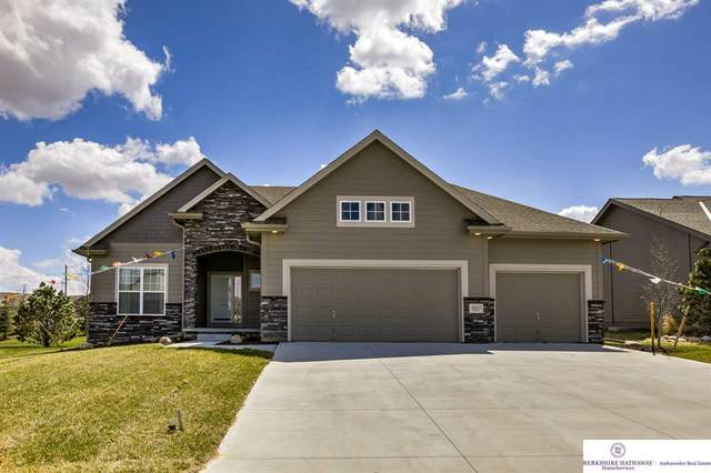 6722 S 200th Street, Omaha, NE 68135 (MLS #22011783) :: One80 Group/Berkshire Hathaway HomeServices Ambassador Real Estate