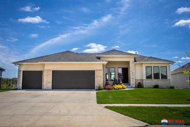 3031 South Creek Road, Lincoln, NE 68516 (MLS #22011912) :: Complete Real Estate Group