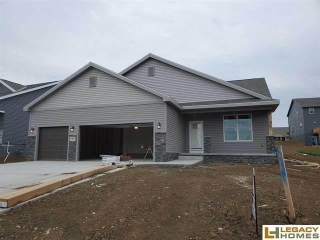 7902 S 184th Street, Omaha, NE 68136 (MLS #22011943) :: One80 Group/Berkshire Hathaway HomeServices Ambassador Real Estate