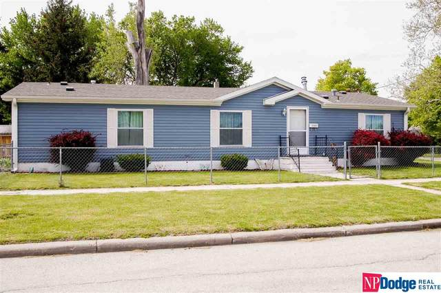 1731 3rd Avenue, Council Bluffs, IA 51501 (MLS #22012097) :: Dodge County Realty Group