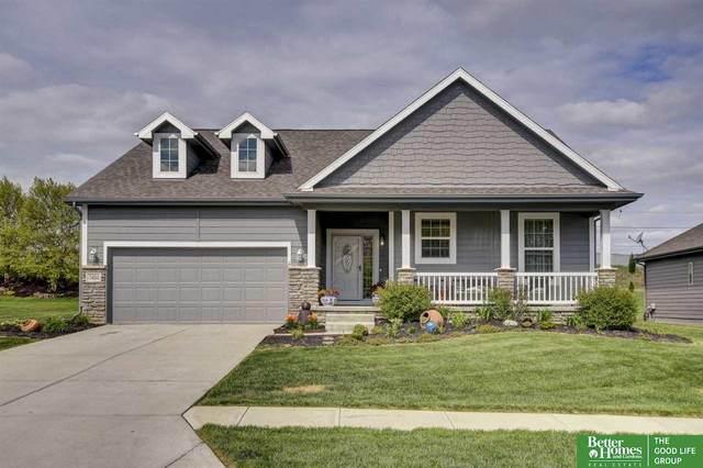 7404 N 155th Terrace, Bennington, NE 68007 (MLS #22012163) :: Cindy Andrew Group