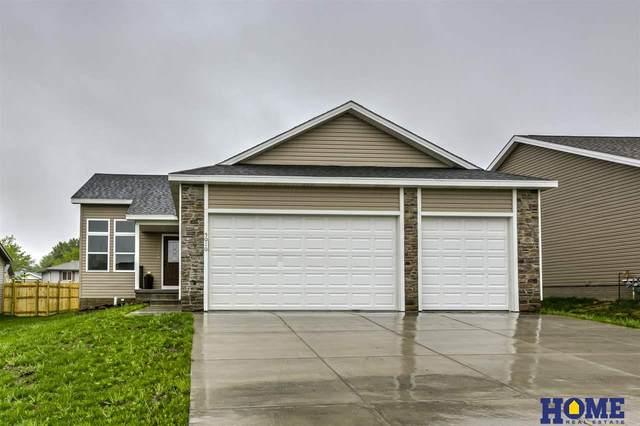 5010 W Gary Gately Street, Lincoln, NE 68528 (MLS #22012212) :: One80 Group/Berkshire Hathaway HomeServices Ambassador Real Estate