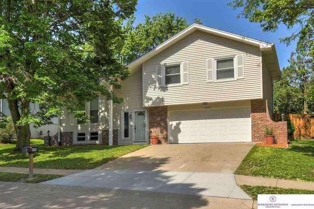 13142 Burdette Circle, Omaha, NE 68164 (MLS #22012249) :: Complete Real Estate Group