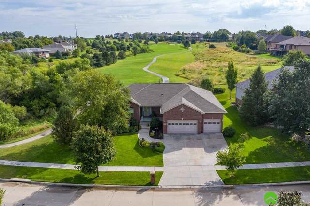 5200 Troon Drive, Lincoln, NE 68526 (MLS #22012414) :: One80 Group/Berkshire Hathaway HomeServices Ambassador Real Estate