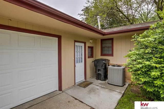 3301 Gott Circle, Lincoln, NE 68524 (MLS #22012429) :: Capital City Realty Group