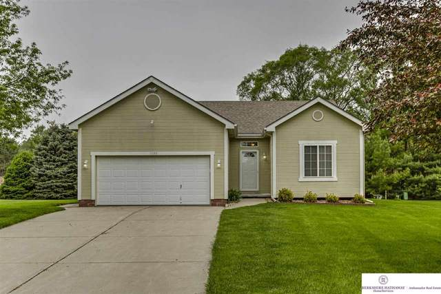 11590 S 180 Street, Gretna, NE 68028 (MLS #22012616) :: One80 Group/Berkshire Hathaway HomeServices Ambassador Real Estate