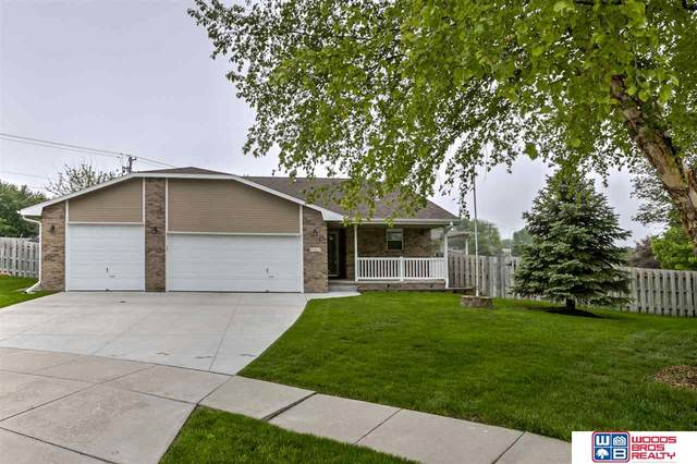 8331 Russwood Court, Lincoln, NE 68505 (MLS #22012641) :: The Briley Team