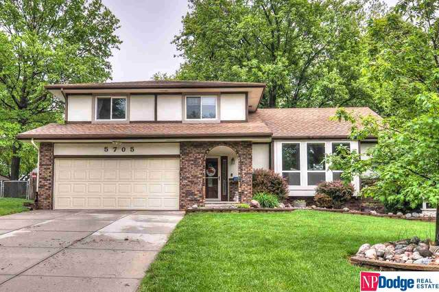 5705 S 152 Street, Omaha, NE 68137 (MLS #22012660) :: One80 Group/Berkshire Hathaway HomeServices Ambassador Real Estate