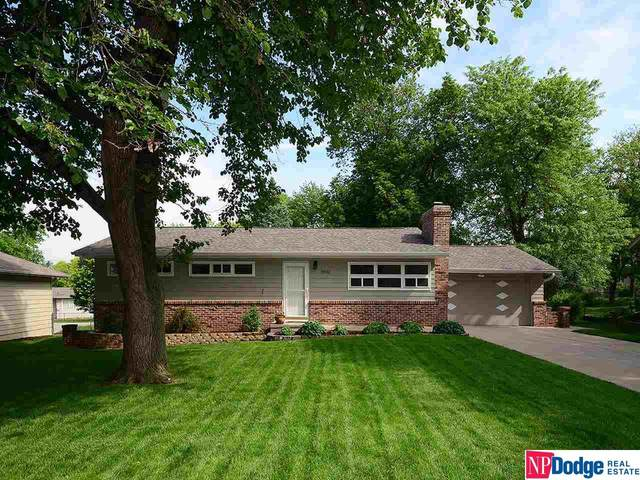 10922 Spring Street, Omaha, NE 68144 (MLS #22012728) :: Capital City Realty Group