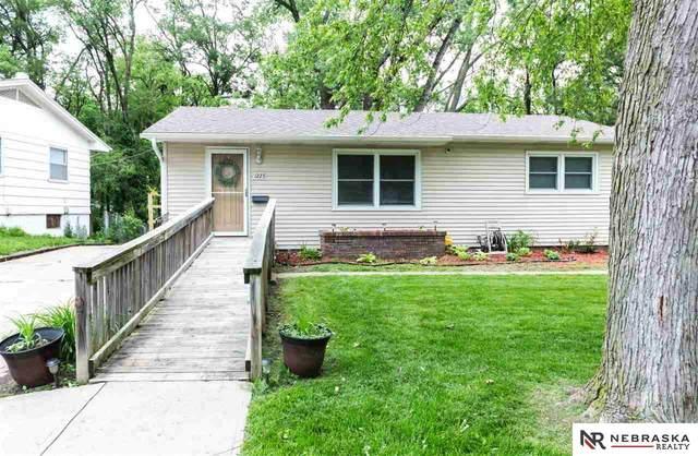 1223 Cole Creek Drive, Omaha, NE 68144 (MLS #22012845) :: Complete Real Estate Group