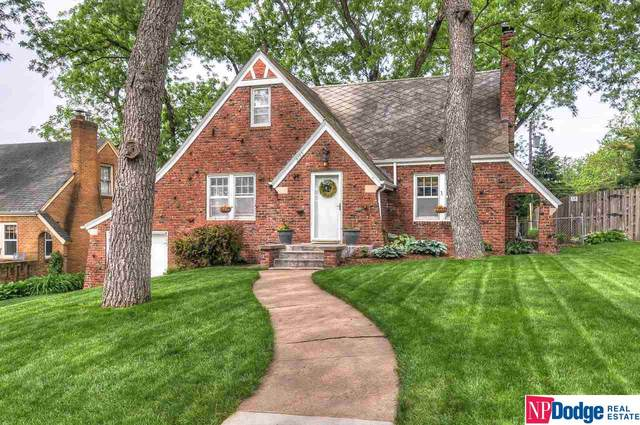 2122 S 61 Street, Omaha, NE 68106 (MLS #22012853) :: Complete Real Estate Group