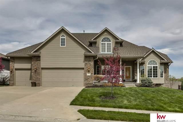 6720 Greyson Drive, Papillion, NE 68133 (MLS #22012860) :: Dodge County Realty Group