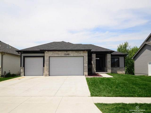 7535 S 77th Street, Lincoln, NE 68516 (MLS #22012903) :: Catalyst Real Estate Group
