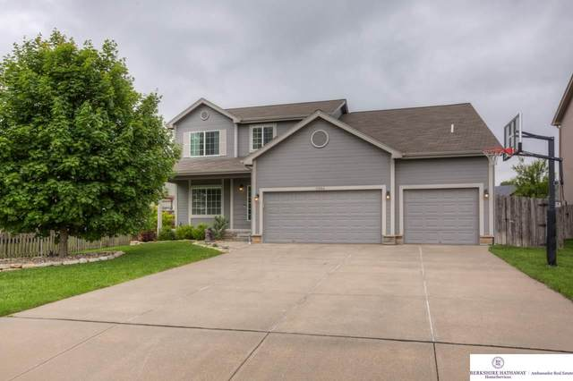 13804 Williamsburg Drive, Bellevue, NE 68123 (MLS #22012944) :: Catalyst Real Estate Group