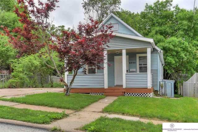 2411 N 58 Street, Omaha, NE 68104 (MLS #22012954) :: One80 Group/Berkshire Hathaway HomeServices Ambassador Real Estate