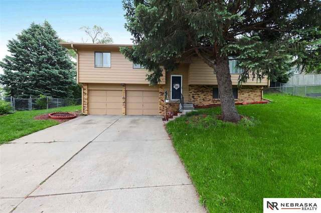 5637 S 138th Avenue, Omaha, NE 68137 (MLS #22012970) :: kwELITE