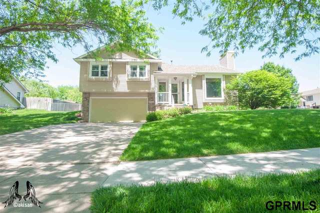 3440 Wildbriar Lane, Lincoln, NE 68516 (MLS #22013011) :: One80 Group/Berkshire Hathaway HomeServices Ambassador Real Estate