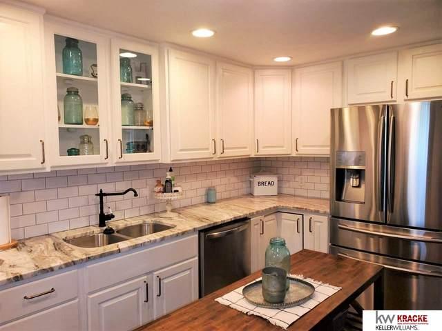 10841 N 141 Street, Waverly, NE 68462 (MLS #22013033) :: One80 Group/Berkshire Hathaway HomeServices Ambassador Real Estate